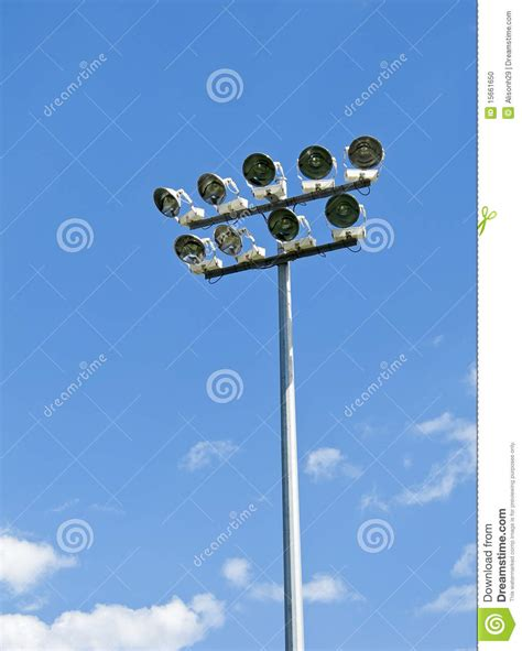 beleuchtung rasen stadion stadionbeleuchtung lichthaus halle 246 ffnungszeiten