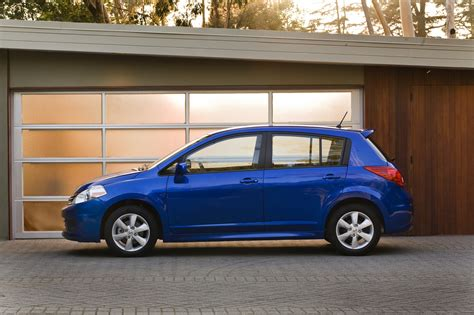 nissan versa review ratings specs prices    car connection