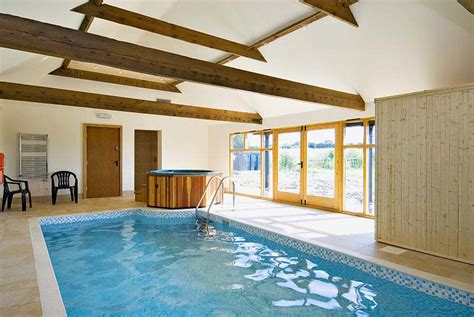 cottage in lincolnshire exclusive use of swimming