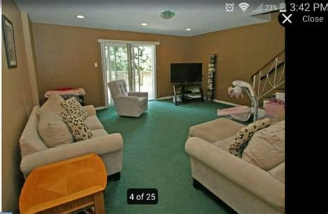 what goes with green what wall color goes with dark green carpet carpet