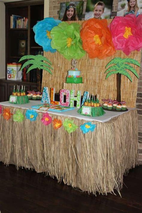 How To Decorate A Nursing Home Room by Decora 231 227 O De Festa Havaiana