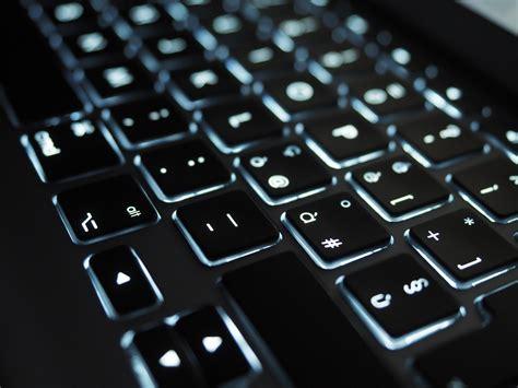 tastiera illuminata recensione tastiera logitech create per pro