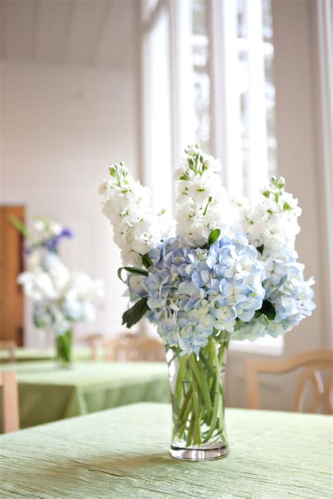 small flower arrangements centerpieces blue hydrangea small centerpiece wedding flower