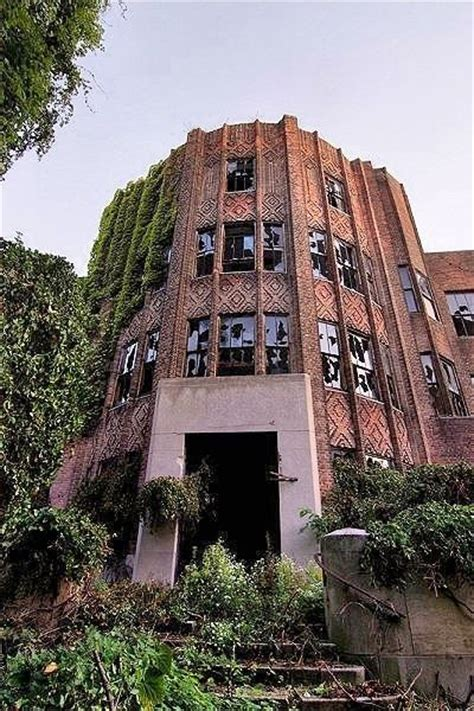 abandoned places in new york this abandoned new york city island shows what would