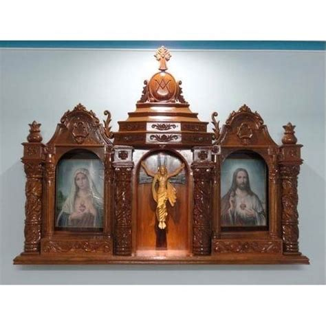 manufacturer of wooden and fiber statues