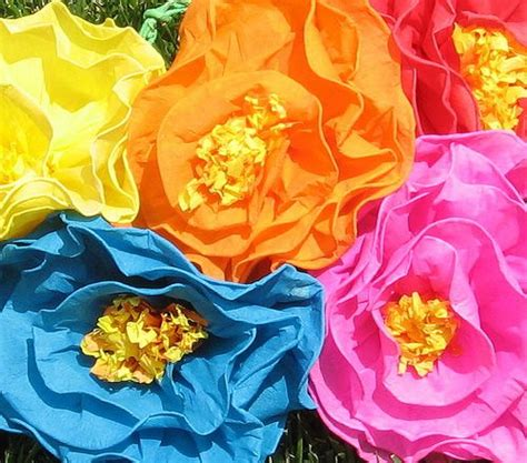 How To Make Paper Mexican Flowers - how to make mexican tissue paper flowers am an expert at
