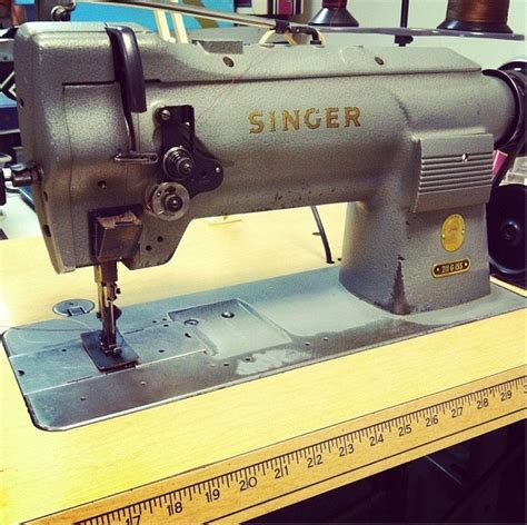 Singer Upholstery Basics by 17 Best Images About Sewing Machines On Machine A Industrial Sewing Machines And