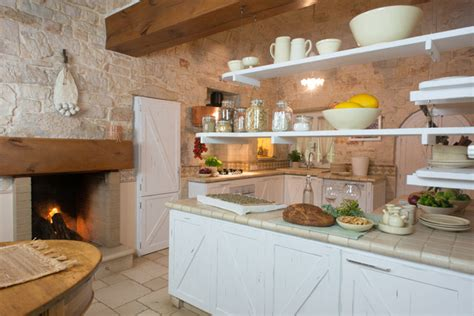 cucina piastrellata casa vacanze in puglia in cagna cucina altro di