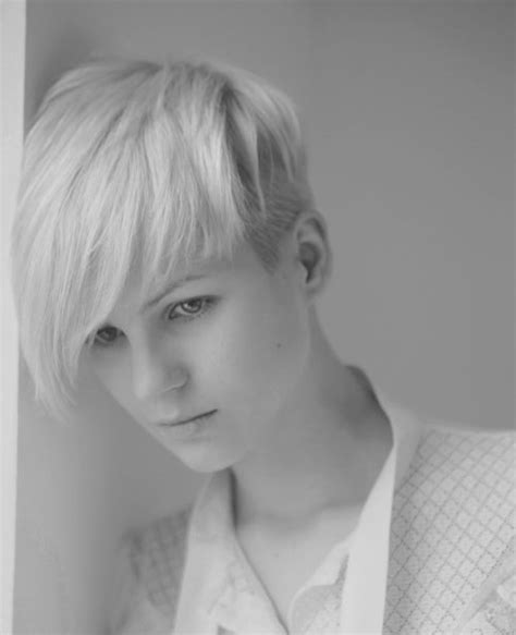 best pixie cuts for oblong face 20 short pixie haircuts for 2012 2013 short hairstyles