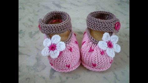 baby booties for a baby girl zapatitos para una bebe zapatitos tejidos para bebe youtube