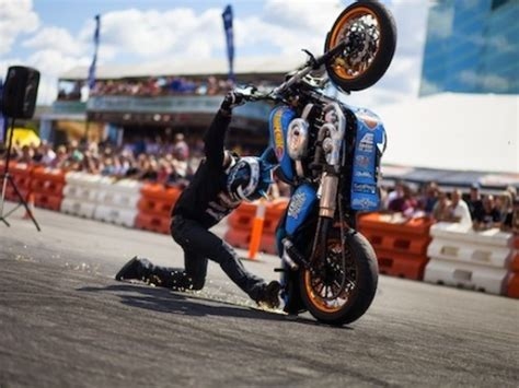 best motorcycle stunts cool motorcycle stunts how to s part two jiji ng