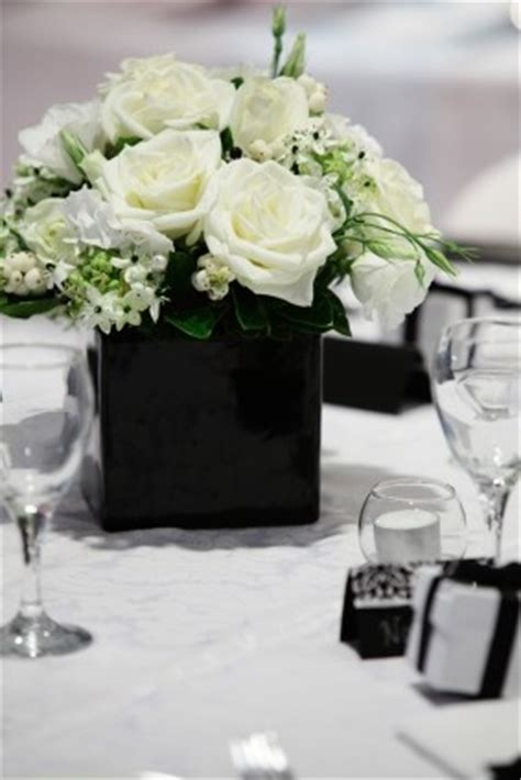 163 Best Black White Flower Arrangements Bouquets Black Vases For Wedding Centerpieces