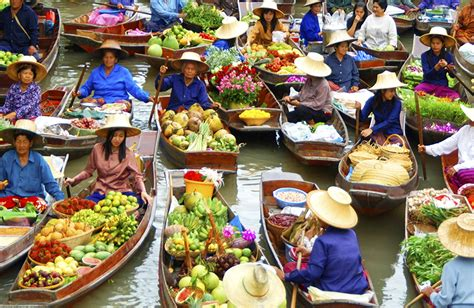 floating boat market thailand adventure vacation for women bangkok chiang mai
