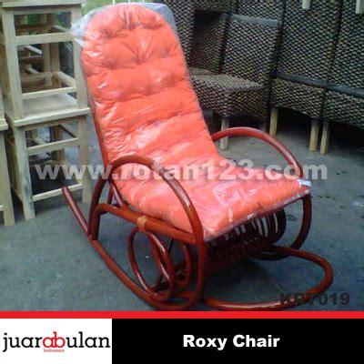 Jual Kursi Goyang Rotan harga jual chair kursi goyang rotan alami model gambar