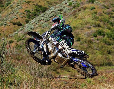 motocross bike race yamaha dirt bike racing www pixshark com images