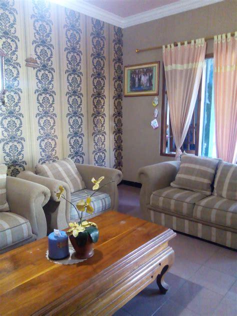 harga wallpaper rumah cantik jasa pasang wallpaper dinding di malang toko grosir
