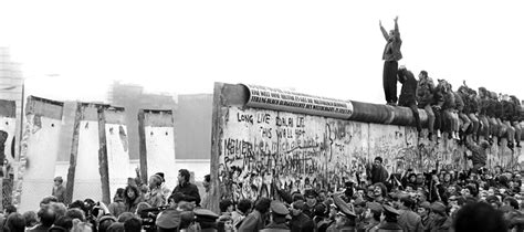 Berlin Wall Essay by Help Me Do My Essay The Fall Of The Berlin Wall And Communism In Europe Dailynewsreports875
