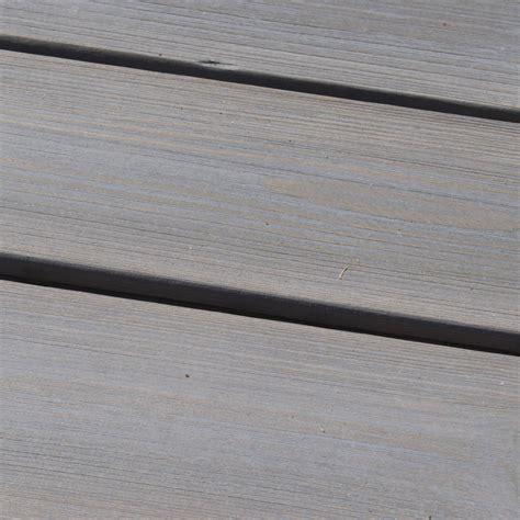 piastrelle in legno per esterni quadrotte in legno per pavimenti esterni woodplate robinia