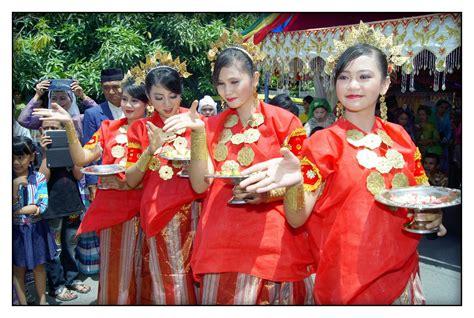 Baju Bodo Pakaian Adat Dari Daerah daftar nama dan alamat hotel bintang di makassar daradaeng