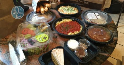 wow 4 olive garden entrees 2 soups salads 4 breadsticks