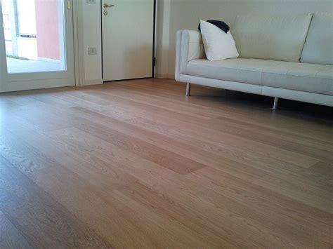 pavimenti in laminato pavimenti scorrano pavimenti in laminato ac4 32 spessore