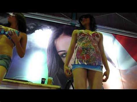 mujeres mostrando calzones mariana seoane tanga upskirt hd vidoemo emotional