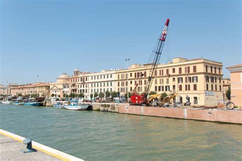 il porto porto di fiumicino