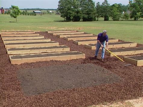 Building A Raised Garden by How To Build Raised Garden Beds How Tos Diy