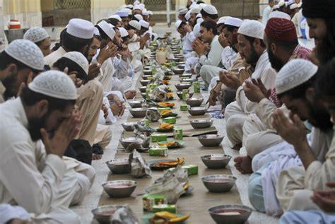 alasan  suasana ramadhan  kampung halaman