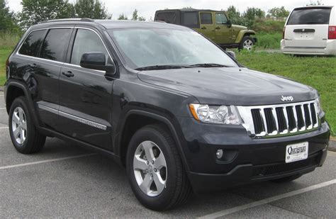 jeep laredo 2011 file 2011 jeep grand cherokee laredo 08 13 2010 jpg