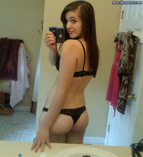 cortana show me the biggest vagina in the world this young lady rocketed straight to the top of our site s