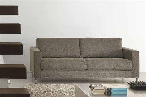 piedini divano divano letto con piedini alti