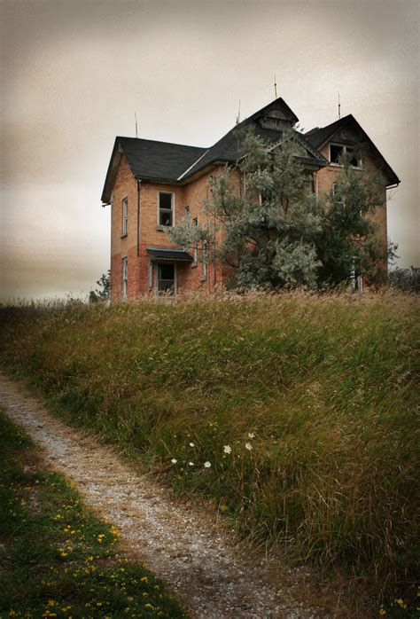 abandoned houses sadly utterly abandoned homes lis anne harris