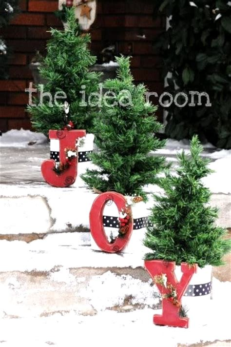 easy homemade outdoor christmas decorations attractive diy outdoor decorations pink lover