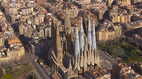 Interior Design Tv Shows by Animated Fly By Of The Completion Of Gaudi S Sagrada Familia