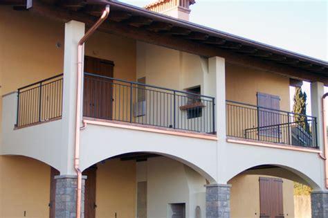 terrazzi con ringhiera ringhiere balconi