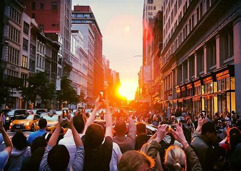 instagrams  manhattanhenge