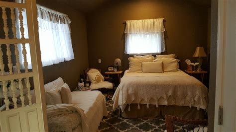 tuff shed  guest room  style