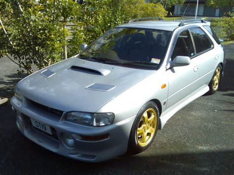 classic subaru wagon 1995 subaru impreza information and photos zombiedrive