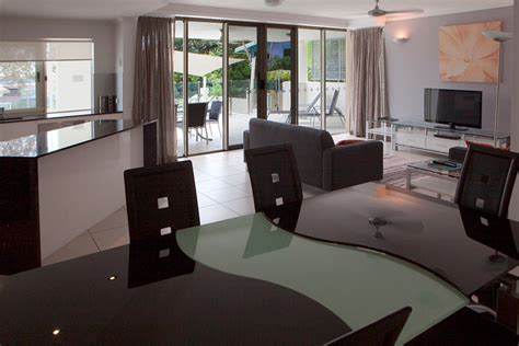 cairns 3 bedroom apartments cairns holiday apartments 1 2 3 bedroom swim out rooms