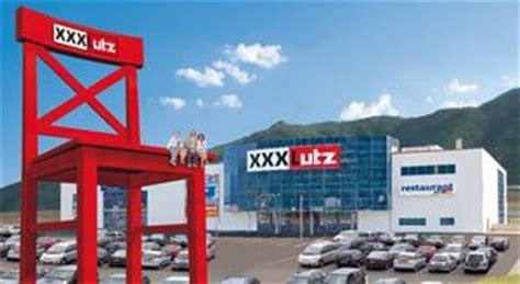 xxxl roter stuhl xxxlutz er 246 ffnet ab 13 september in spittal an der drau