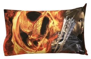 the hunger games themed bedroom bedroom decor ideas and designs hunger games bedroom