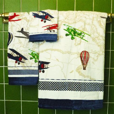 Airplane Bathroom Decor by Bath Towels With Airplane Design Aviation Themed