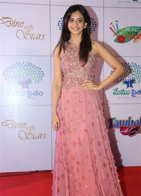 Longdress Vinny rakul preet singh photos in dress at memu