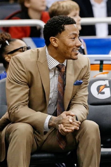 derrick rose on bench rose sitting on bench is right move chicago bulls blog espn