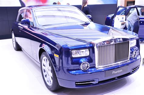 rolls royce blue blue rolls royce on display wallpapers and images
