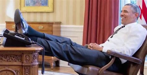 Obama On Desk by The Note S Tweets Shrink Presidency
