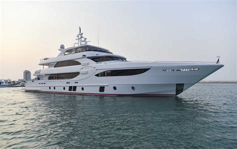 qatar jacht majesty 135 yacht by gulf craft arrives in lusail marina