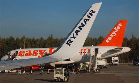 ryanair sede italia ryanair easyjet volotea vueling le migliori compagnie