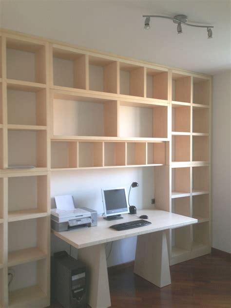 libreria con scrivania incorporata libreria con scrivania incorporata idee di design per la